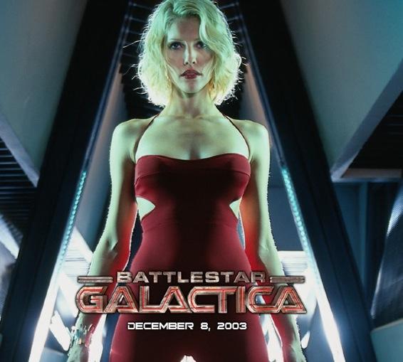 Tricia Helfer, le Cylon le plus sexy, alias 6 !